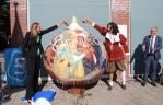 Eerste 'Giant Tulip Bulb' geplaatst in Warmond